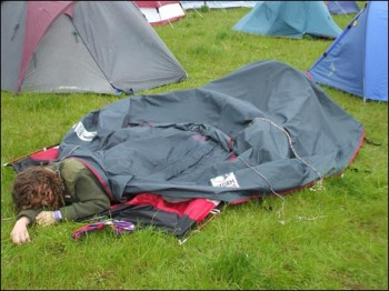 sleep-outside-tent