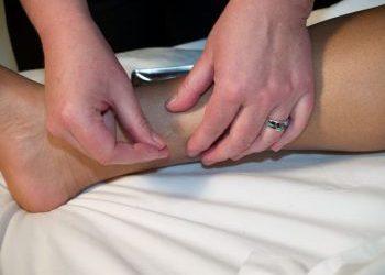 menopausal symptoms respond to acupuncture & isoflavones