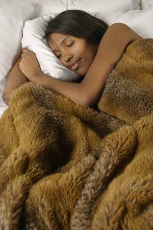 Sleep Onset Insomnia: 8 Do's and Don'ts for BetterSleep